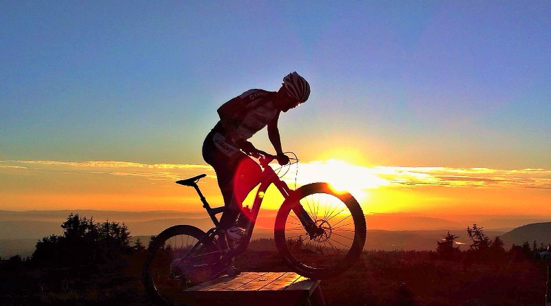 Stock sunset mtb