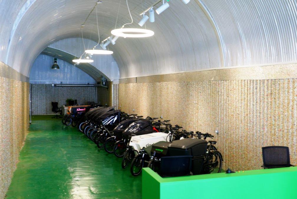 e-bike workshop cargo fully charged